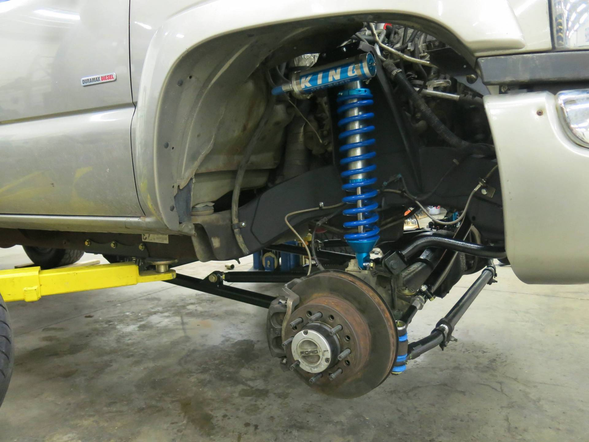 Photo Gallery - 2004 Duramax Radius Arm with Coil over