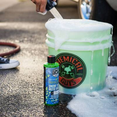 Chemical Guys - Chemical Guys Honeydew Snow Foam Extreme Suds Cleansing Wash Shampoo 16 oz - Image 4